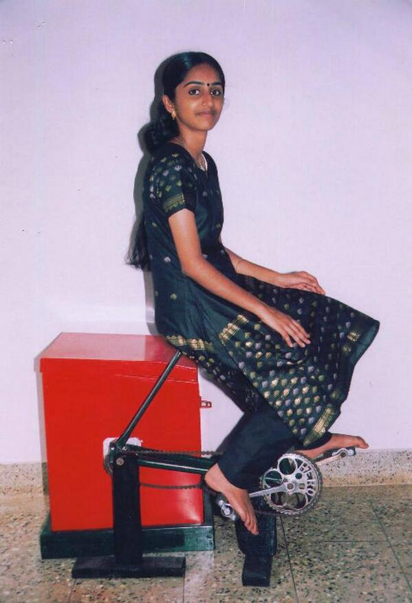 Awesome invention by High school girl : Washing + Exercise Machine Works without Electricity