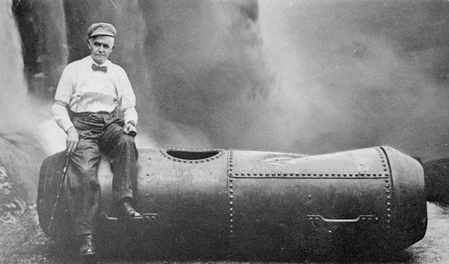 Bobby Leach, The Second Person to go over Niagara Falls